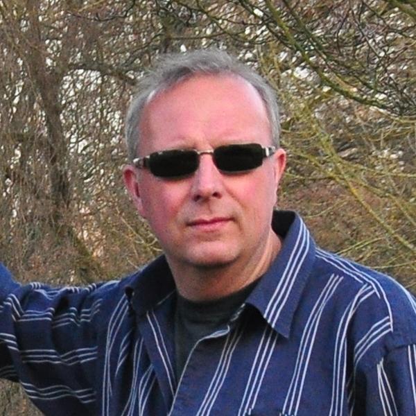 Dr. Ralf Oschwald